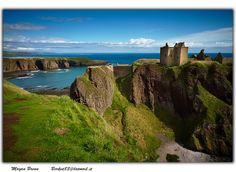 Scotland Dunnotar castle situated between Aberdeen and Edimburgh, in the Aberdeenshire. It is called Dunnotar castle, and it's one of the best place to see in Scotland