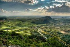 The České středohoří, Central Bohemian Uplands, Czech Republic. Prague, European Countries, Mountain Range, Czech Republic, Magick, Strand, Countryside, Places To Visit, Mountains