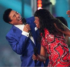 Smokie Robinson and Martha Reeves - Super Bowl XXXII (1998). Theme: Salute to Motown's 40th Anniversary