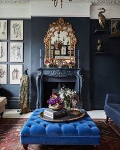 38 Marvelous Blue Interior Designs Ideas - My Design Fulltimetraveler Victorian Living Room, Victorian Home Decor, Modern Victorian Bedroom, Victorian Interiors, Modern Victorian Homes, Victorian Style Furniture, Gothic Living Rooms, Victorian Mirror, Dark Living Rooms