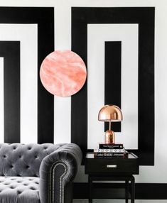 Browse stylish living room decor inspiration, furniture and accessories on Domino. See our favorite living rooms for the best couches, coffee tables, throw pillows and paint colors to decorate your living room. White Home Decor, Black Decor, Modern Interior Design, Interior Design Inspiration, Design Ideas, Living Room Decor, Bedroom Decor, Decoration Inspiration, Decor Ideas