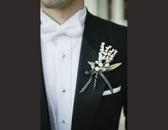 Inspiration boutonnière mariage Black & White