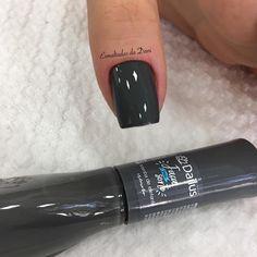 "3,165 curtidas, 49 comentários - Esmaltadas da Dani (@dna.martiins) no Instagram: ""💅🏻 @jee_martinss 💅🏻 #dailus #trombadeelefante @dailus #esmaltaçãoperfeita #esmaltadasdadani"" Love Nails, Fun Nails, Pretty Nails, Tumblr Nail Art, Nail Ring, Strong Nails, Colorful Nail Designs, Stylish Nails, Nail Polish Colors"