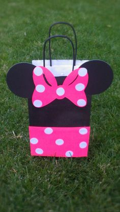 Minnie Mouse Party Bag- 1 dozen. $30.00, via Etsy.