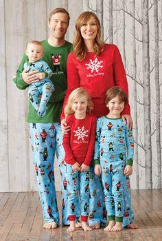 Matching family holiday collection PJ's Family Pjs, Family Outfits, Christmas Pajamas, Christmas Sweaters, Christmas Outfits, Boys Pajamas, Pyjamas, Look Fashion, Kids Fashion