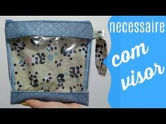 DIY - Estojo Necessaire Box - by Silvia Ramos Atelier - YouTube Zipper Pouch Tutorial, Clear Bags, Dressmaking, Louis Vuitton Damier, Diy And Crafts, Coin Purse, Patches, Wallet, Purses