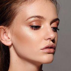 Soft peach makeup