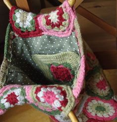 crochet pocket attached to lining of purse