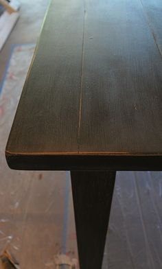 Annie Sloan Chalk Paint - Graphite #DIY #table #dining