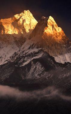 ¿Te atreverías a llegar a la cima del Ama Dablam en el Himalaya? #Nepal