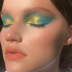 Black Eyeshadow Makeup, Smokey Eye Makeup, Metallic Makeup, Makeup Primer, Glitter Makeup, Eyeshadow Palette, Makeup Inspo, Makeup Art, Beauty Makeup