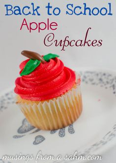 Back to School Cupcakes Recipe- these are totally adorable and would be cute for fall themed parties, too. I imagine you could do pumpkins, pears, etc. School Cupcakes, School Cake, School Treats, Teacher Cupcakes, Easy Cupcake Recipes, Dessert Recipes, Cupcake Ideas, Delicious Desserts, Yummy Food