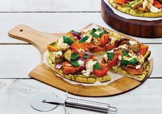 Roast Vegetable and Pesto Pizza recipe – Easy Countdown Recipes – – wanderlust Vegetarian Dinners, Vegetarian Recipes, Healthy Recipes, Healthy Food, Pesto Pizza, Pizza Pizza, Sweet Chilli Sauce, Roasted Vegetables, Pizza Recipes
