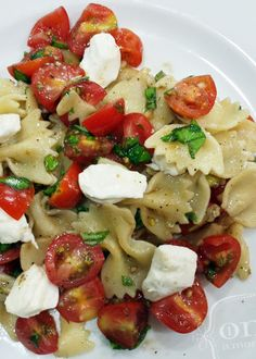 Caprese Pasta Salad     1 pound bow tie pasta, cooked according to package 1 cup cherry tomatoes, cut into fourths 1 cup fresh mozzarella, cubed 0.25 cup olive oil 2 Tablespoons balsamic vinegar 0.125 teaspoon salt 0.125 teaspoon pepper 2 teaspoons garlic, minced 12 fresh basil leaves, chopped 0.25 teaspoon dried oregano Directions: Combine all ingredients in a large bowl and serve.
