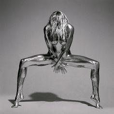 Silver : Des Femmes Nues En Statues Métalliques Par Le Photographe Guido…