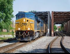 RailPictures.Net Photo: CSXT 770 CSX Transportation (CSXT) GE ES44AC at Columbus, Ohio by Mike Stupar