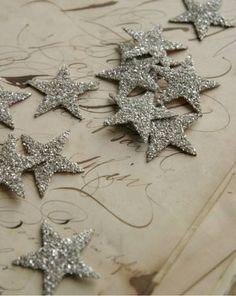 glitter stars - would make a beautiful holiday garland
