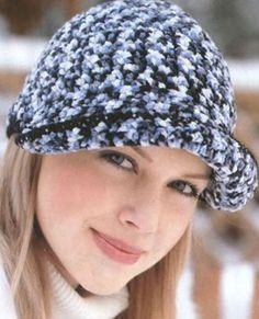 шапка с козырьком вязаная крючком