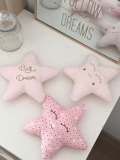 Kids room decoration and baby - 3 pillows customizable stars - pastel pink and gold sparkly - Pretty sweet cushion for b. Cute Pillows, Baby Pillows, Kids Pillows, Baby Room Decor, Nursery Room, Rose Pastel, Felt Dolls, Sewing For Kids, Handmade Toys
