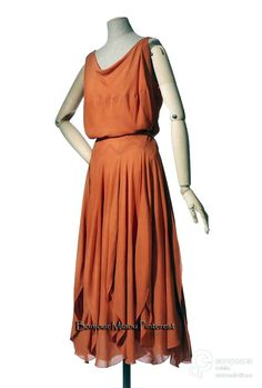 Evening dress, Vionnet, 1921. Orange and white silk crepe. Les Arts Décoratifs via Europeana Collections