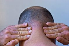 How to Stop Neck Muscle Spasms (with Pictures)   eHow