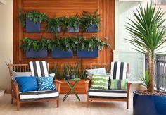 10 Ways to Turn Your Small Balcony into a Stunning Oasis Outdoor Sofa, Outdoor Spaces, Outdoor Living, Outdoor Furniture Sets, Outdoor Decor, Backyard Patio, Backyard Landscaping, Brick Patterns Patio, Plant Wall