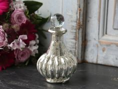 109 kr Glasflaska i fattigmanssilver med diamat kork Decor, Mercury Glass, Jar, Home Decor, Vase, Decorative Jars, Glass