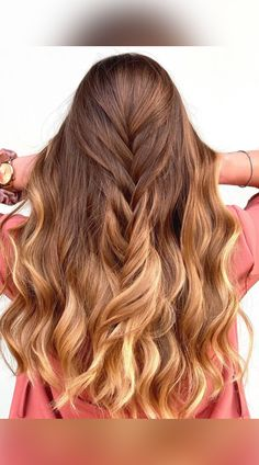 Let's jazz up your overflowing tresses with some ombré. You'll love these creative ombre ideas! Try different color combinations for a touch of exotic. Photo credit: Instagram @laboratorio_ed Long Ombre Hair, Hair Dye Colors, Latest Hairstyles, Dyed Hair, Photo Credit, Color Combinations, Different Colors, Jazz, Salons