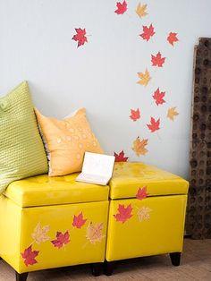 DIY: Leaf Wall Display #Fall #FallCrafts #Decor