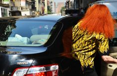 can't miss the icon herself, grace coddington and her fiery mane in nyc Grace Coddington, Vogue Uk, Fat Daddy's, Man Icon, Tommy Ton, Look Cool, Fashion History, Her Style, Style
