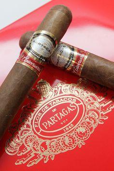 partagas-aniversario-cigar-toro-sticks