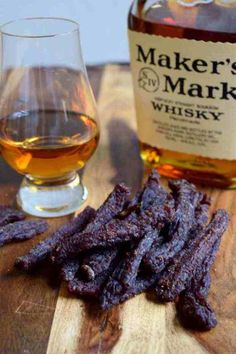 Kentucky Whisky Beef Jerky Finished Looking for a rough and tough beef jerky made for a REAL man? Bourbon + Beef Jerky = A Super Manly Beef Snack! Deer Jerky Recipe, Venison Jerky Recipe, Best Beef Jerky, Homemade Beef Jerky, Venison Recipes, Smoke Jerky Recipe, Beef Jerky Maker, Beef Jerky Marinade, Beef Jerkey