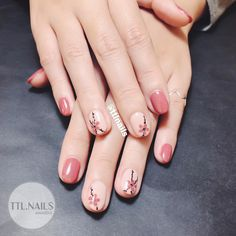 All these nail designs and styles are actually as simple as they are awesome. If you're always trying to find options and new designs, nail art designs are a good way to show off your personality and to be original. Classy Nails, Simple Nails, Cute Nails, Pink Nails, Gel Nails, Nails & Co, Cherry Blossom Nails, Korean Nail Art, Floral Nail Art