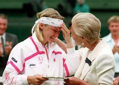 20 best Wimbledon moments: Novotna and Duchess file