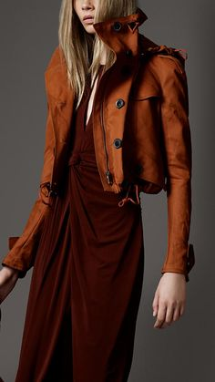 // Burberry- coat please! Estilo Fashion, Look Fashion, Womens Fashion, Fashion Sets, Mode Chic, Mode Style, Looks Style, Style Me, Look 2015