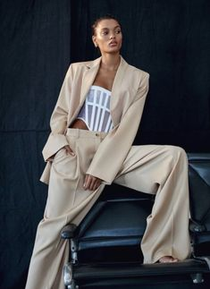 D. Picard flashes lameka fox in fall 2019 women\'s suit trends for elle canada october 2019  anne of carversville. Casual Fall Outfits, Trendy Outfits, Cute Outfits, Suits For Women, Clothes For Women, Vintage Mom, Frill Dress, Neutral Outfit, Cute Summer Dresses