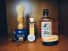 New #SOTD by #essentiabrushes #handmade #shavingbrush essentia #cherrytree #boar #knot #soap #prep #grease #linetti #moustachewax #penhaligons #bayolea #brush #proraso #razor #fatip #madeinitaly #puglia #bari #southofitaly #woodturning #wooden