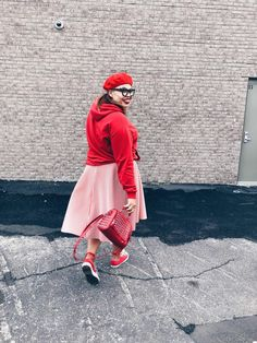 Plus size Fashion: Flare Skirt: Circle Skirt: Red Fashion: Converse: Beret: Hoodie & Skirt: Style Outfit: OOTD Outfits With Converse, Outfits With Hats, Circle Skirt Outfits, Flare Skirt, Midi Skirt, Red Fashion, Fashion Outfits, Beret Outfit, Red Bone