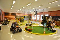 Laste liikluspark on lasten liikennepuisto, jossa pääsee ajamaan nelipyöräisiä ja opettelemaan liikennesääntöjä. Täällä on kiva ottaa tuntumaa aikuisten maailmaan ja nauttia turvallisesti vauhdin hurmasta. Ennen vierailua kannattaa soittaa ja varmistaa, että se onnistuu. Liikennepuisto nimittäin vuokraa tilojaan myös ulkopuolisten käyttöön. Basketball Court, Sports, Hs Sports, Sport