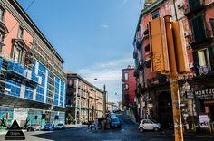 Η Νάπολη (Naples) μπορεί να σε μαγέψει ή να σε αφήσει απλά αδιάφορο. Ο Mr. Evans ταξίδεψε μέχρι την Ναπόλη & δίνει την δική του ιστορία.