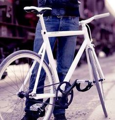 Viktor Fixed Gear Bike  by  Schindelhauer