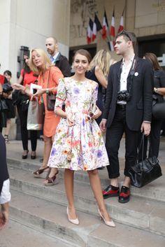 Paris Fashion Week street style [Photo by Kuba Dabrowski] Fashion Images, Fashion Photo, Fashion News, Girl Fashion, Fashion Outfits, Fasion, Paris Fashion, Street Fashion, The New Classic