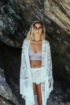 Crystal Lagoon – The Freedom State Lace | Kimono | Beach