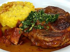 Ossobuco with roasted vegetables from Chef video Big Meals, Easy Meals, Milanesa, Mediterranean Dishes, Vegetable Drinks, Healthy Eating Tips, Mets, Roasted Vegetables, Gastronomia