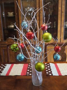 Lovely Simple Table Christmas Decorations With Small Colorful Tablecloth And Clear Glass Cup Be Equipped Colorful Globe Accessories Christmas Centerpiece, Chic Christmas Centerpieces For Party Table: Furniture