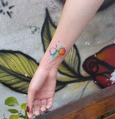 30 tatouages Harry Potter si discrets que seuls les vrais fans les reconnaîtront au premier coup d'œil !