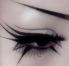 maquillaje ojos verdes eyeliner ~ eyeliner verde - eyeliner verde brown eyes - eyeliner verde make up - eyeliner verde neon - eyeliner ojos verdes - maquillaje ojos verdes eyeliner - trucco eyeliner verde - maquillaje eyeliner verde Punk Makeup, Grunge Makeup, Eye Makeup Art, Makeup Inspo, Goth Eye Makeup, Exotic Makeup, Hair Makeup, Makeup Geek, Makeup Ideas