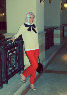 HH Style Guide: Bow Sweater + Afternoon at the Races Scarf - Haute Hijab