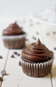 Paleo Chocolate Cupcakes Recipe plus 24 more Paleo coconut flour recipes Paleo Dessert, Healthy Sweets, Healthy Food, Healthy Recipes, Cupcake Recipes, Cupcake Cakes, Dessert Recipes, Paleo Cupcakes, Coconut Cupcakes