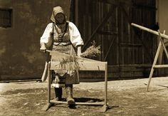 Folk Costume, Costumes, Heart Of Europe, Plant Fibres, Folklore, Homemaking, Hemp, Spinning, Westerns